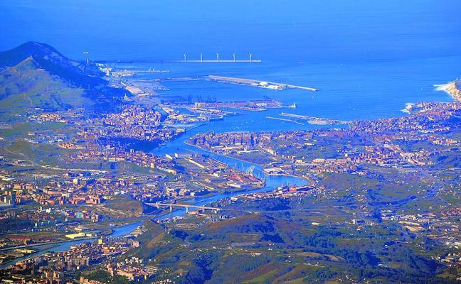 La Diputación quiere descontaminar un área equivalente a 589 campos de fútbol