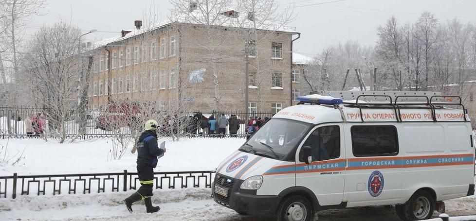 Siete heridos tras ser atacados por un adolescente con un hacha en un colegio de Rusia