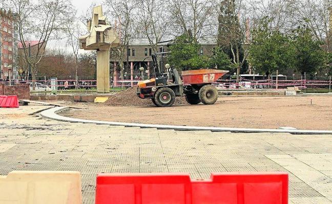 El foso de la plaza de la Constitución de Vitoria pasa a la historia