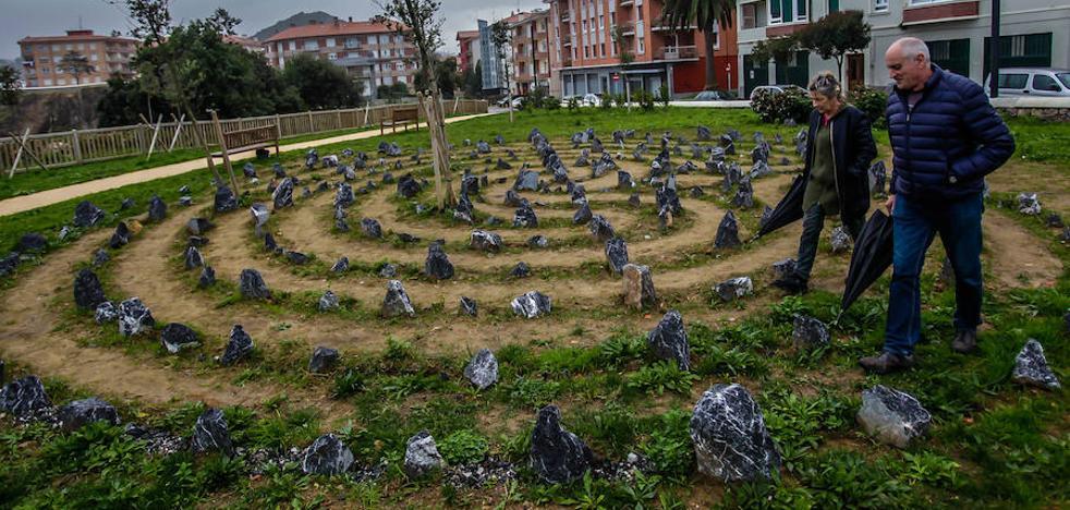 Un laberinto para ordenar el pensamiento en Lekeitio