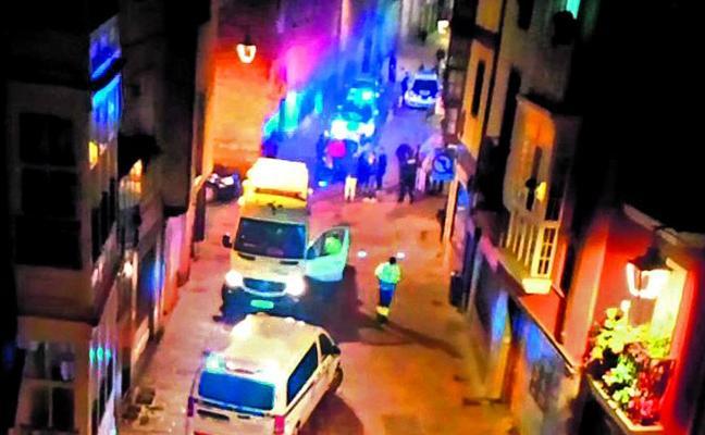La Ertzaintza investiga a dos menores de 13 y 15 años por robar a una quincena de mujeres en Vitoria