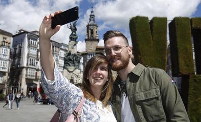 Álava certifica con 427.000 visitantes su récord turístico en 2017