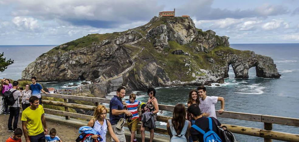 Euskadi vuelve a batir su récord anual de turistas, con casi 3 millones en 2017