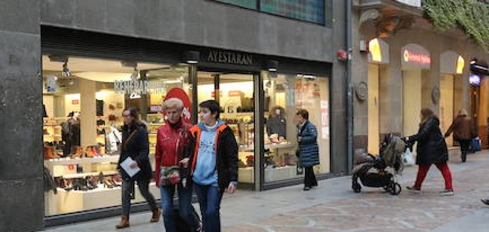 Cierran las tiendas de Ayestaran, 60 años de historia del calzado