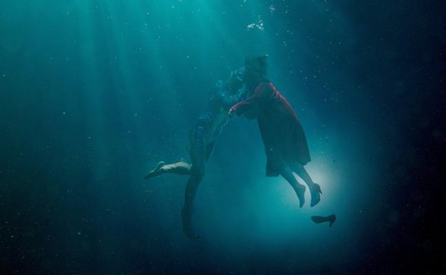 Del Toro fascina a los Oscar con sus monstruos