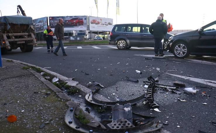 Accidente de tráfico en la avenida del Zadorra de Vitoria