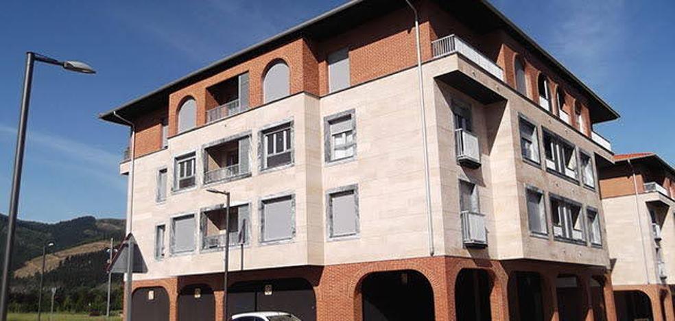 Orozko intentará deshacerse de los últimos pisos, lonjas y garajes de la promotora en una subasta