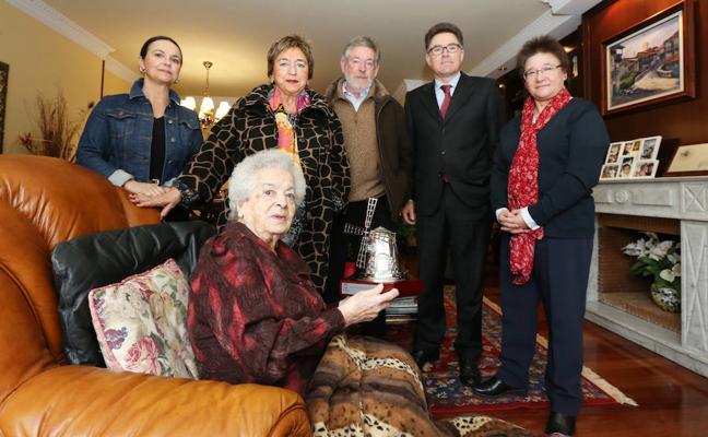 Barrika y Getxo homenajean a dos de sus mujeres centenarias