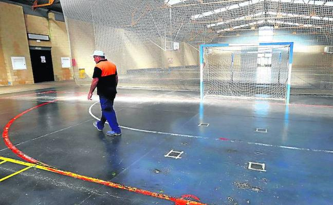 Encargan a otra empresa las obras de reforma del suelo del Pabellón Naranja