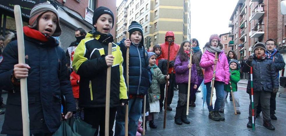 Los cánticos de Santa Águeda sacarán a la calle a cientos de personas