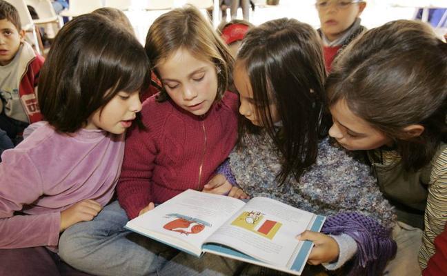 Educación pone en marcha una web con recursos para que los colegios trabajen la lectura con los escolares