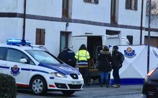 Dos trabajadores de 32 y 33 años fallecen intoxicados en una furgoneta en Loiu