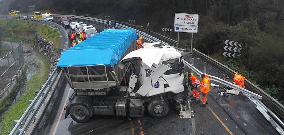 La fatalidad une en el trágico accidente de Galdakao los destinos de Mikel y 'Billy'