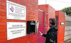 Arrestan en Vitoria a tres menores tutelados acusados de agredir a varios jóvenes para robarles