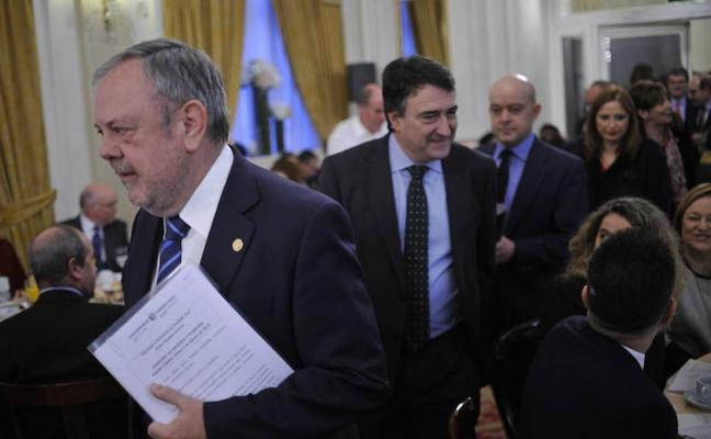 Azpiazu defiende la transferencia de la Seguridad Social al País Vasco
