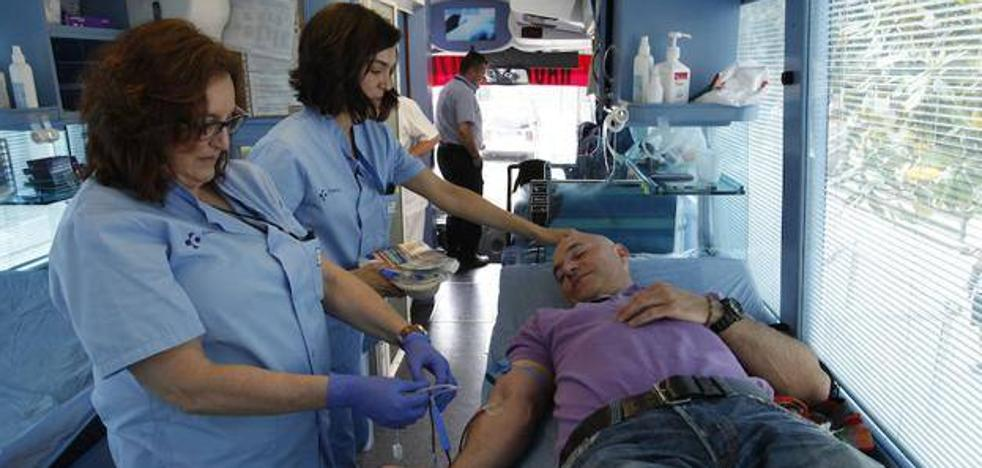 Unidad móvil para donaciones de sangre en Galdakao