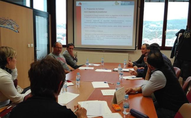 Basauri y Etxebarri asesoran a empresas para impulsar el sector de la madera