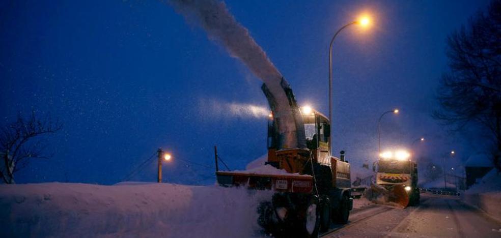 La nieve y el hielo complican aún 280 carreteras de la mitad norte peninsular