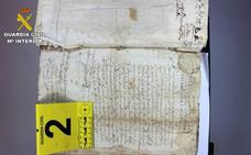 Recuperan dos protocolos notariales del siglo XVI sustraidos de un archivo municipal de Cuenca