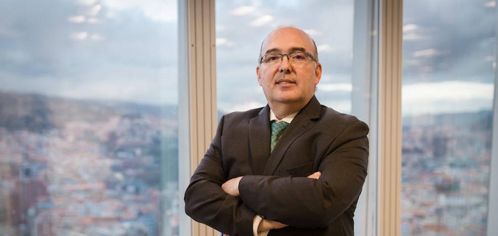 Ignacio Ansotegui: «La contaminación del aire disparará las alergias en solo seis años»