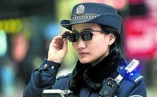 Robocop ya patrulla en China