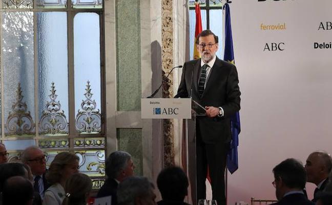 Rajoy insta a los españoles a ahorrar para complementar sus pensiones