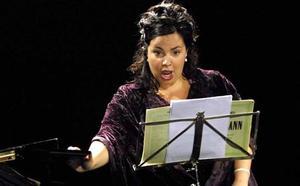 Ainhoa Zuazua sopranoak eta Ruben Fdez. Agirre piano joleak, Arriagan