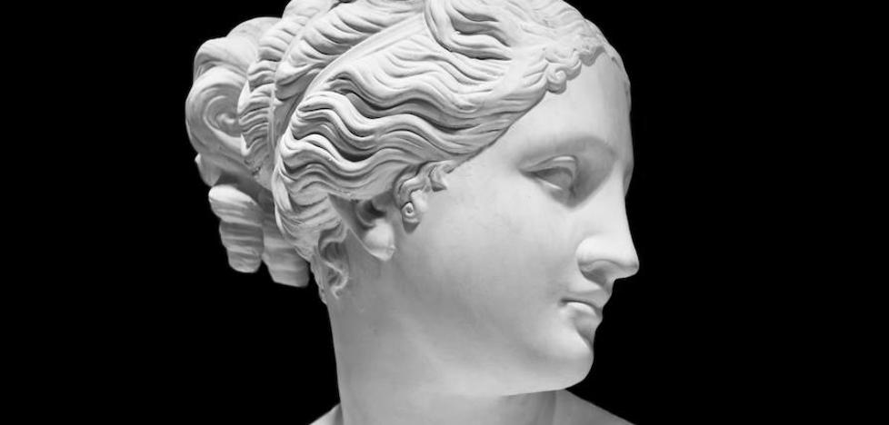 Greziar mitologian hilkorren eta jainko-jainkosen arteko maitasun harremanak normaltzat hartzen ziren