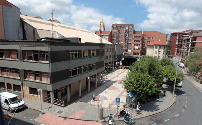 El Ayuntamiento de Etxebarri subirá el sueldo un 1,5% a los trabajadores municipales