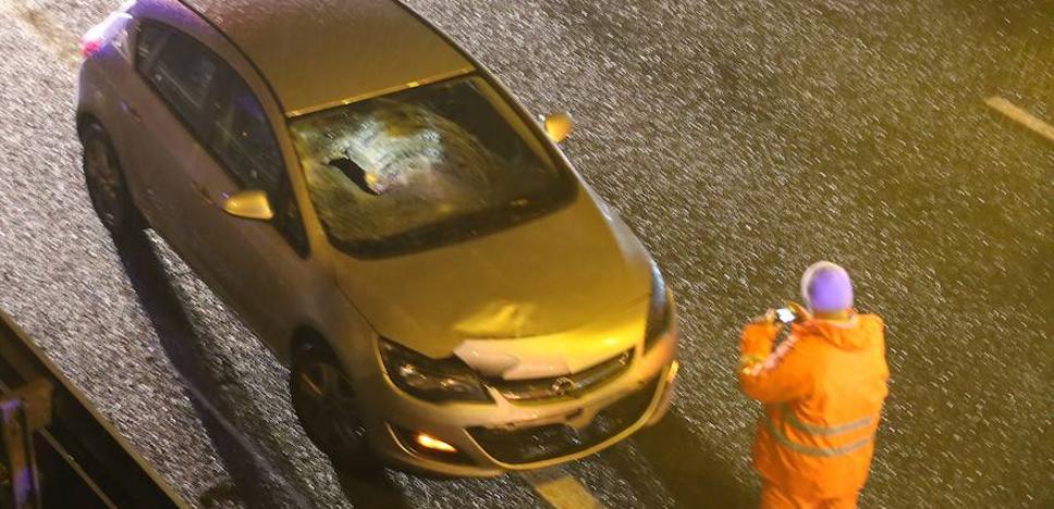 Muere un vizcaíno de 31 años atropellado en Miraballes tras apearse de su coche para señalizar otro accidente