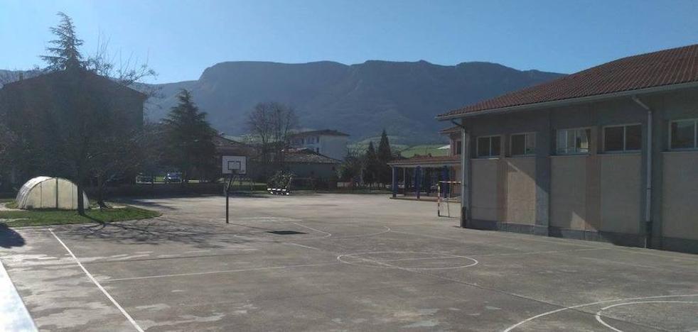 Los niños de Orduña adaptarán a su gusto el patio de la escuela en una jornada de trabajo vecinal