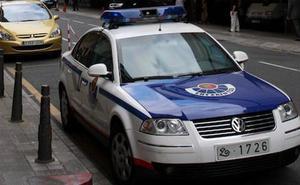 Detienen a un chaval de 14 años por robar un móvil en Santurtzi armado con un objeto punzante