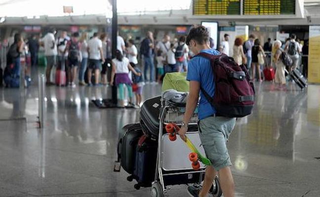 El Aeropuerto de Bilbao incrementa un 5,2% el tráfico de pasajeros en enero