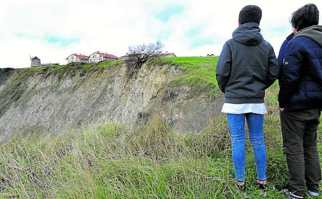 Arrigunaga, pendiente de nuevos corrimientos de tierras