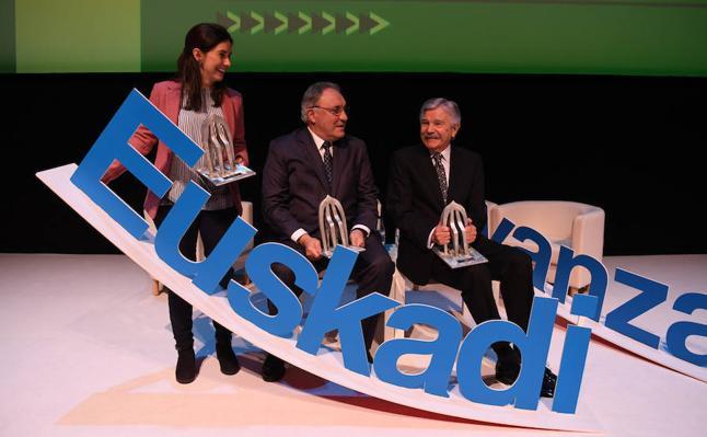 EL CORREO entrega los primeros Premios 'Euskadi avanza'