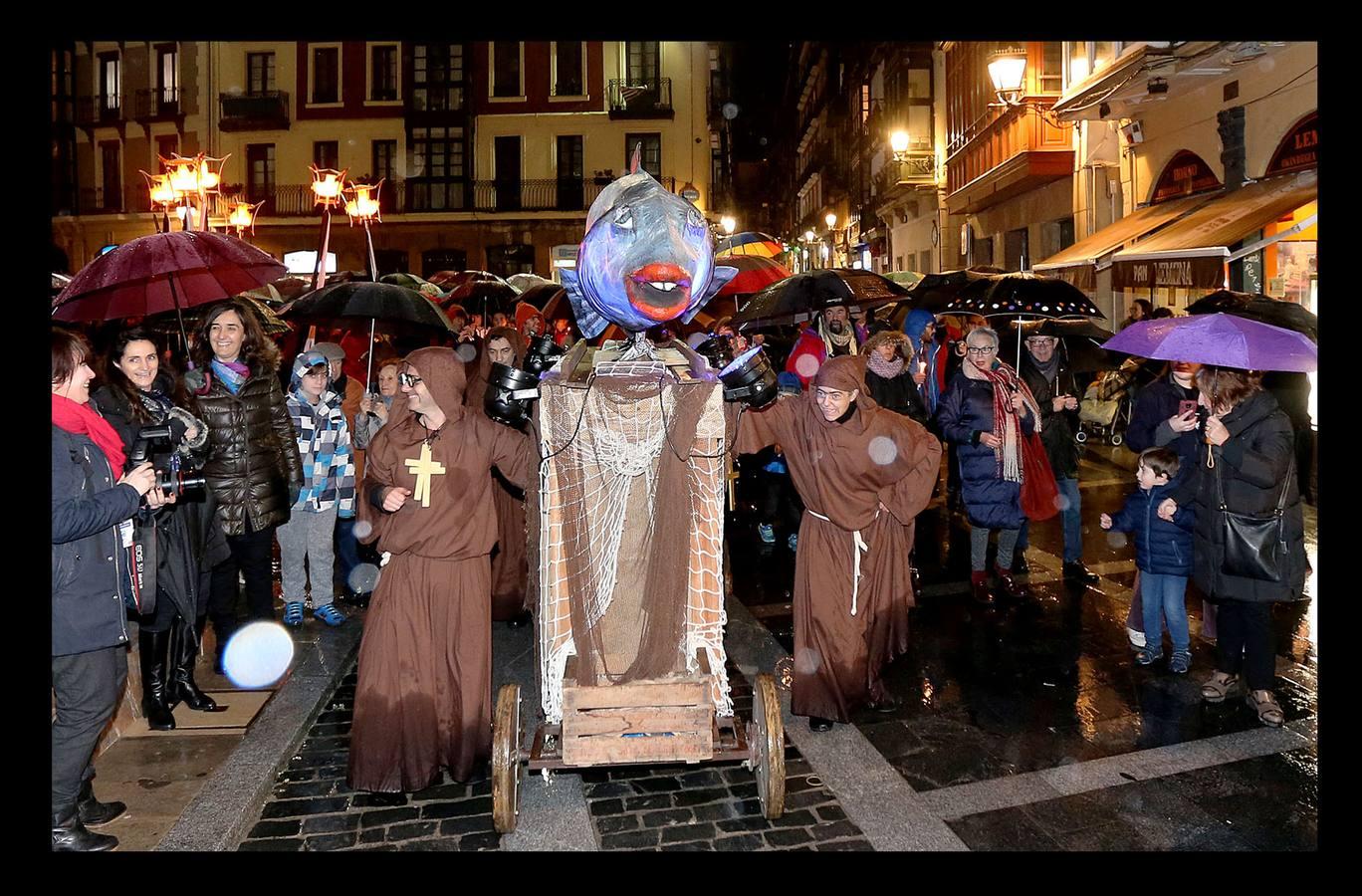 Bilbao despide los carnavales con la quema de la sardina