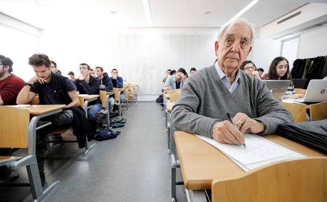 Miguel se va de erasmus a los 80 años: «La edad no es un freno en la vida»