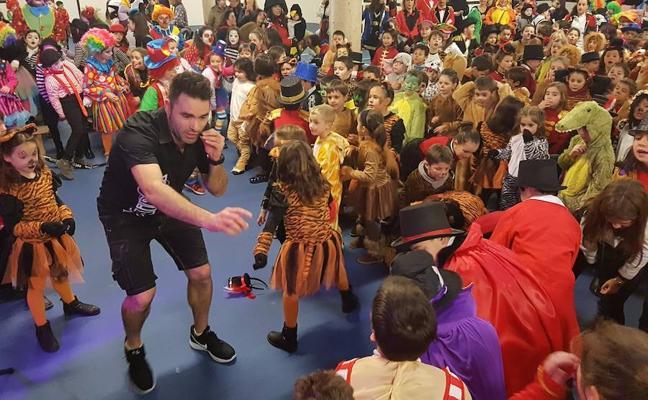 La lluvia arruina los desfiles del Martes de Carnaval