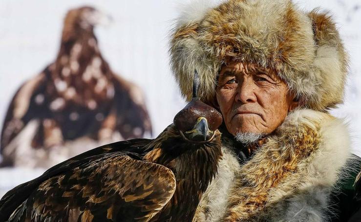 Cazar con águilas en la estepa