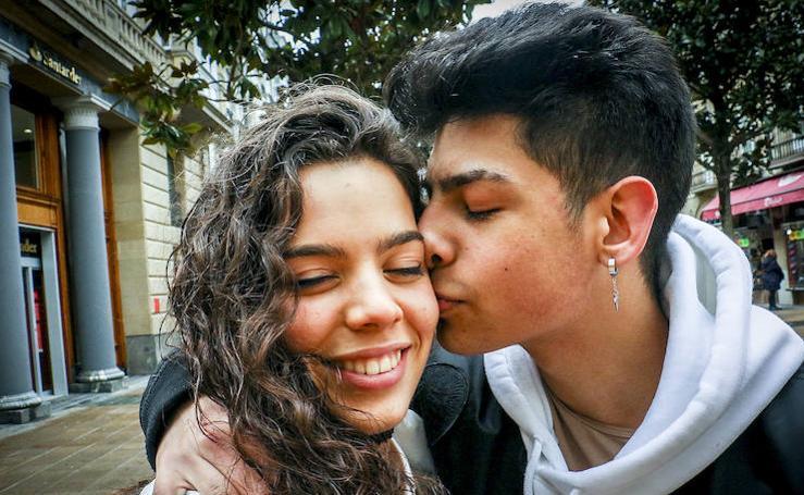 Besos para celebrar San Valentín en Vitoria