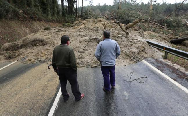 Los supervivientes de Larrabetzu: «Salieron en calzoncillos. El barro se lo tragaba todo»