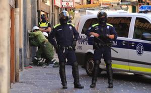 Condenan a tres 'okupas' de un bloque de Ensanche 21 en Pintorería