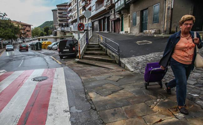Las obras de la gasolinera vieja obligan a reordenar el tráfico en el centro de Lekeitio