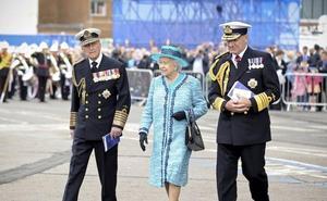 Isabel II prohíbe el plástico