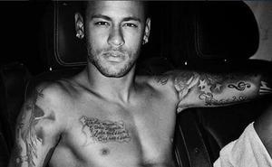 Neymar posa para Testino