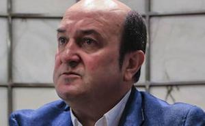 Ortuzar compara a Albert Rivera con Berlusconi por su «populismo atroz»