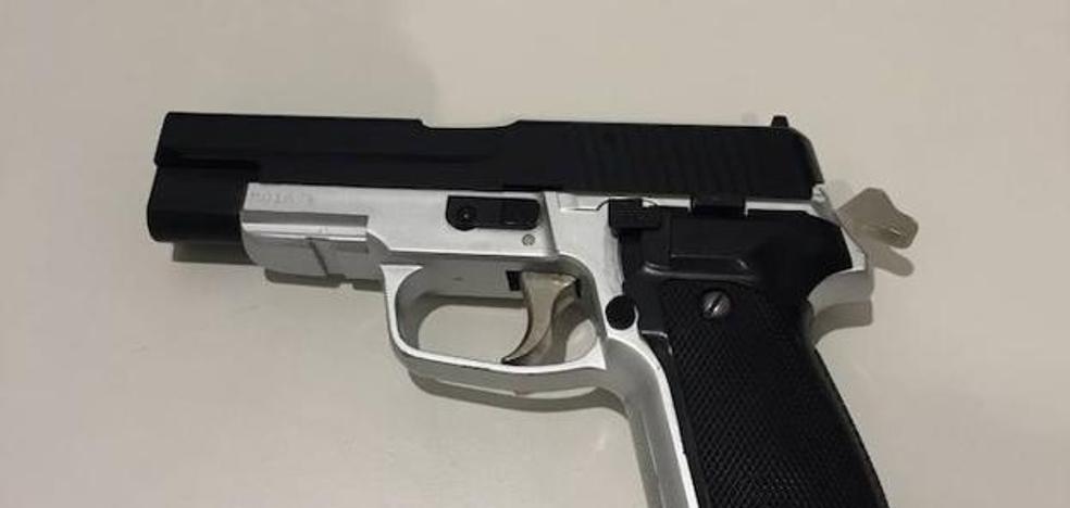 En libertad los dos detenidos por el violento atraco a un joven de 18 años en Deusto