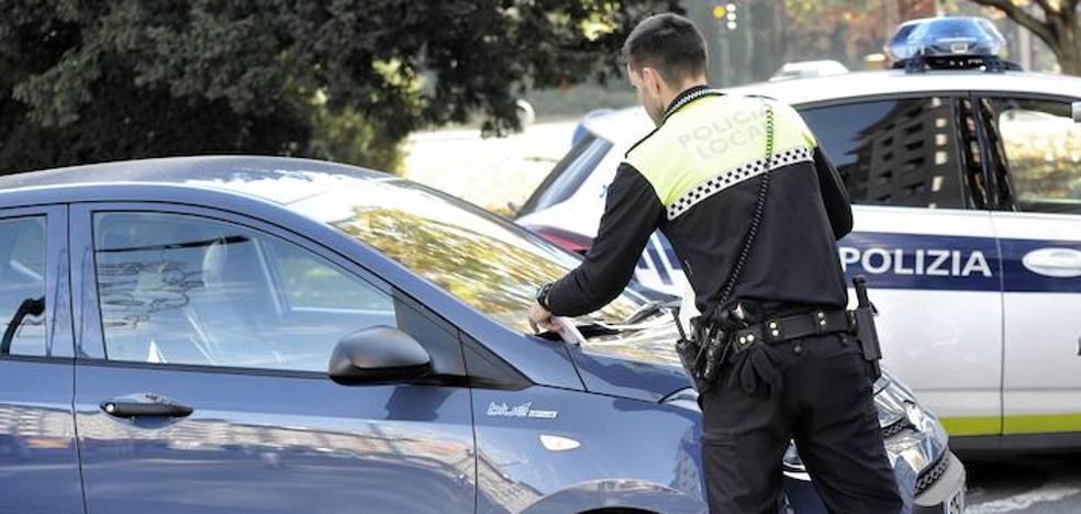 Los policías locales trasladan al Ayuntamiento de Vitoria su «última oferta»
