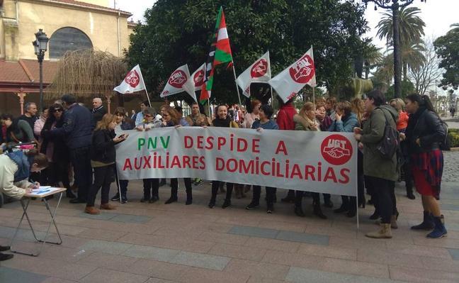 Las trabajadoras del SAD de Santurtzi se echan a la calle