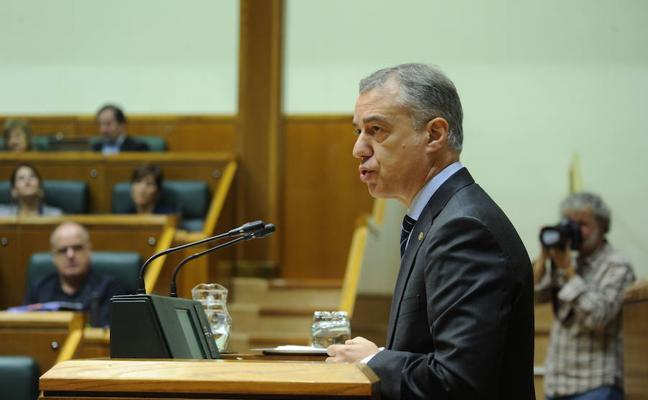 Urkullu dice que la reforma del estatus será «legal y pactada» y critica el «déficit democrático» del Estado